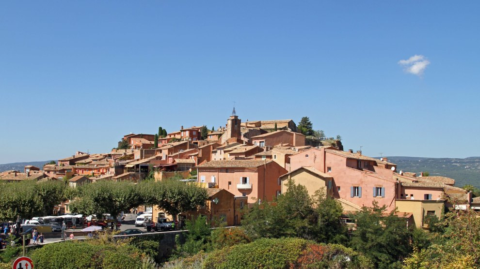 The ochre-coloured village of Roussillon