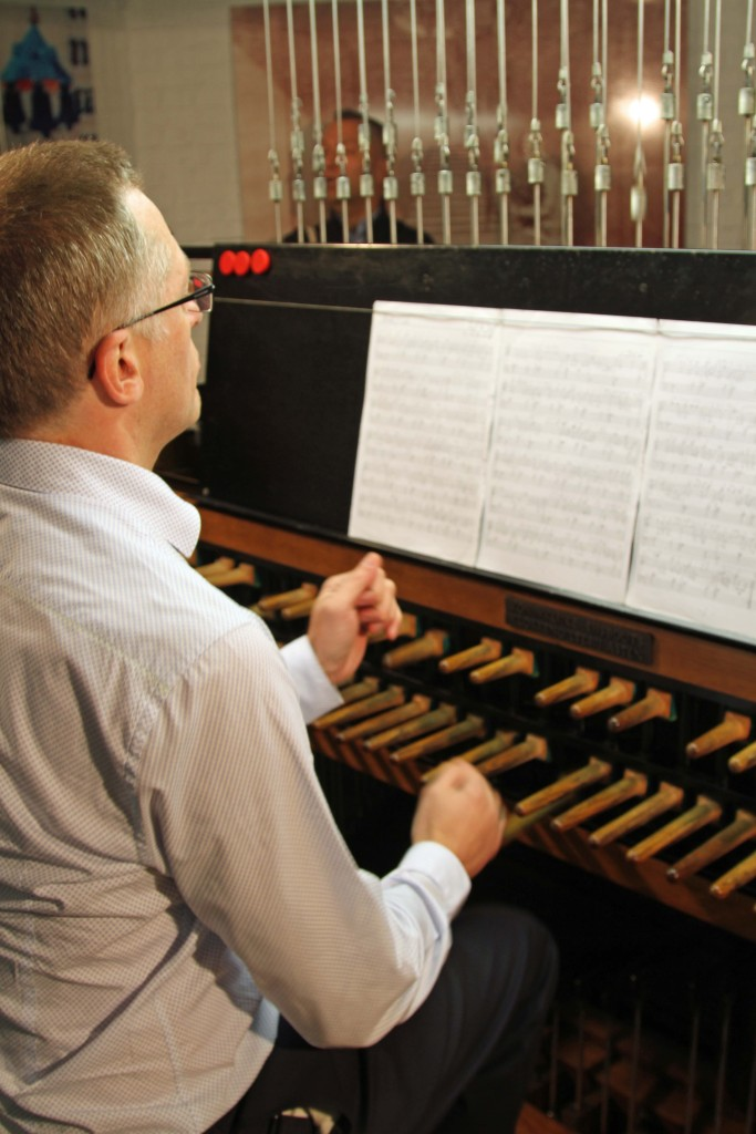 Luc playing 'Streets of London'
