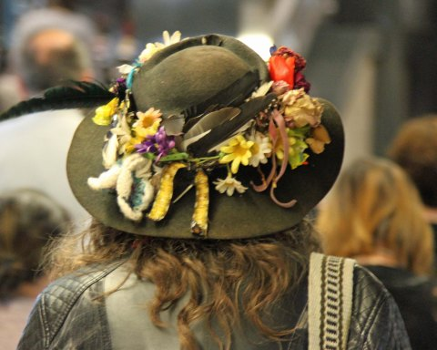 Metro: The wearable lightness of being - man in hat