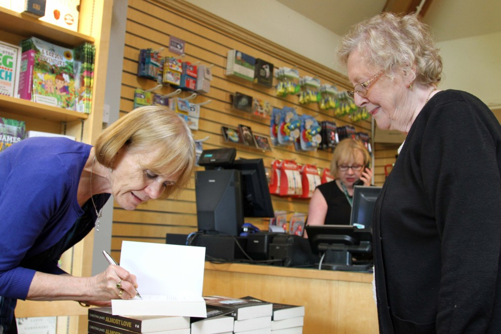 Harlow Carr signing